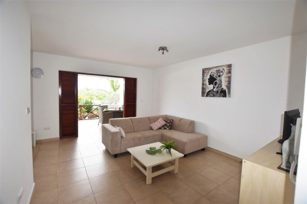 Spacious 2 Bedroom Apartments For Rent With View Towards Tafelberg