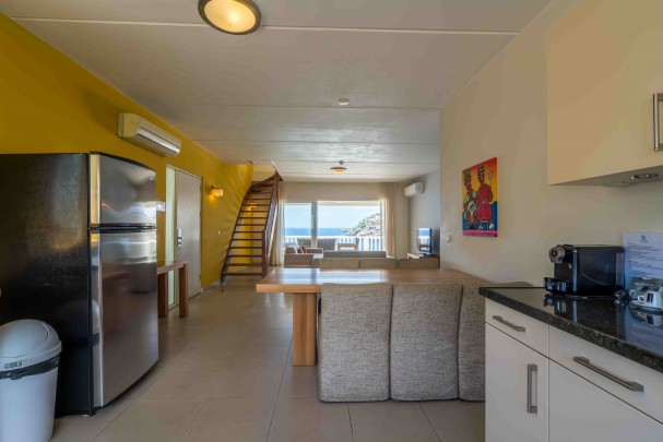 Blue Emerald 17: Spacious oceanfront penthouse in Caribbean for sale