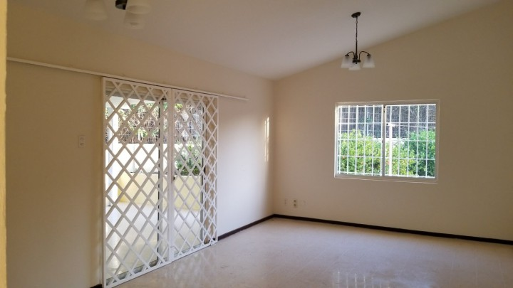 Spacious home for rent on Grote Berg Curacao - Close to nice beaches