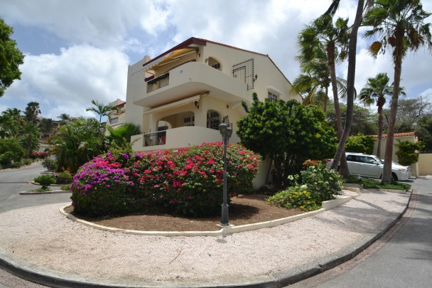 Very Spacious 2 Bedroom Apartment With Seaview For Sale On Cura Ao