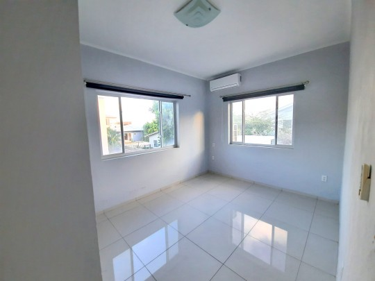 Nicely and modern semi-furnished 2-bed / 2-bath apartment