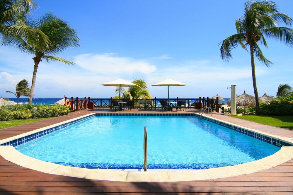 Beau rivage gemeubileerde appartement met zwembad en prive strand - Zwembad met strand ...