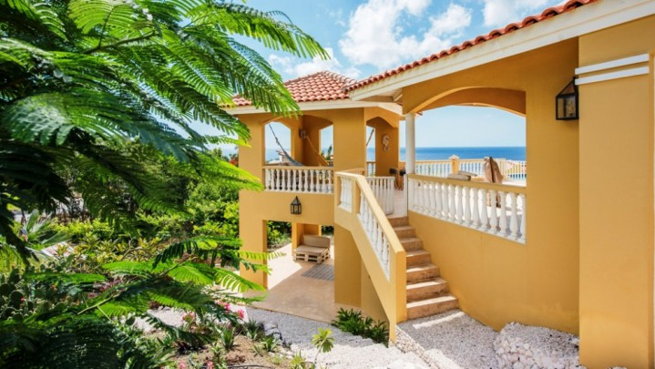 Blue Bay Resort - Gorgeous villa in countryhouse-style with seaviews