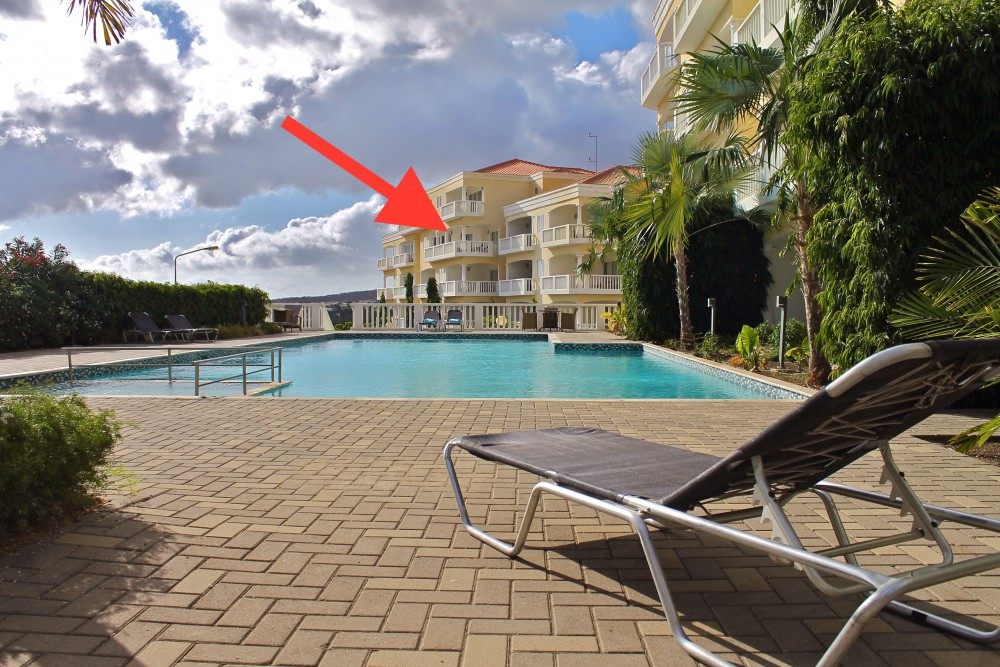 RE/MAX real estate, Curacao, Blue Bay, Beautiful spacious 3-bedroom apartment with ocean view - incl. rental