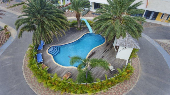 Liverpool Resort - Apartment for sale in double house in gated resort