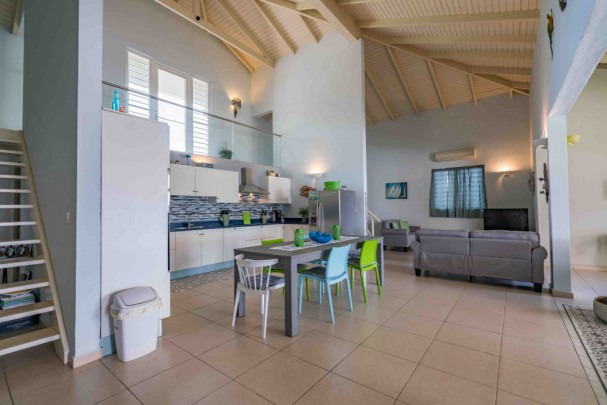 Beau Rivage - 6 room waterfront Penthouse  in Willemstad! 12.5% ROI!