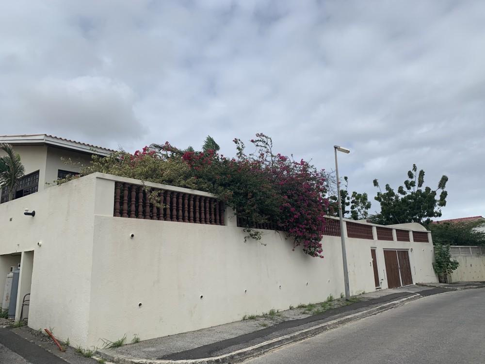 RE/MAX real estate, Curacao, Cas Grandi, Cas Grandi - 4-bedroom apartment for rent