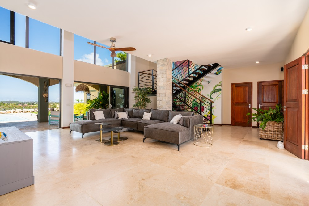 RE/MAX real estate, Curacao, Blue Bay, Blue Bay - Beautiful two story house with breathtaking views
