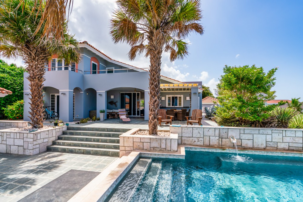 RE/MAX real estate, Curacao, Blue Bay, Blue Bay BB-56 - Luxurious villa for sale with spectacular views