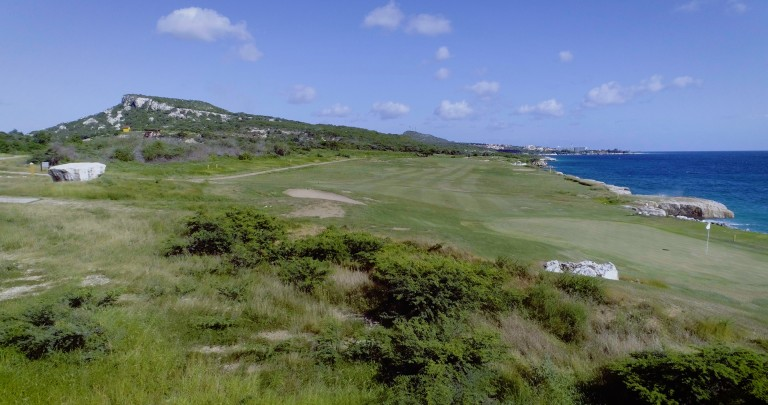 Private oceanfront lots for sale in gated golf community in Caribbean
