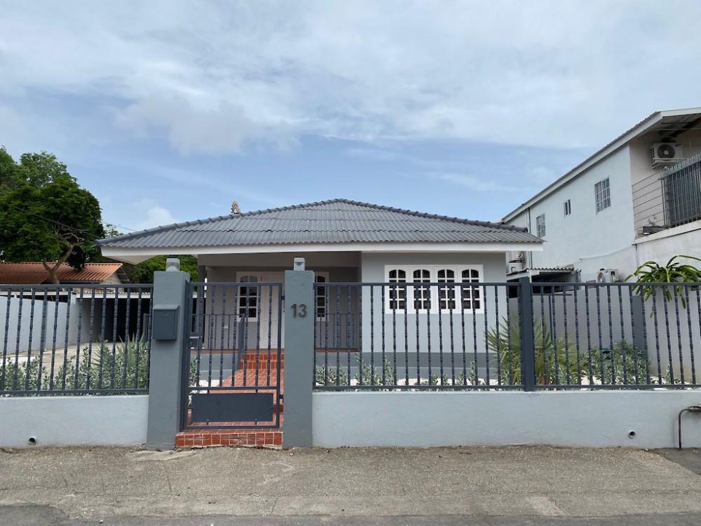RE/MAX real estate, Curacao, Dominguito, Dominguito - Centrally located 2-bedroom home