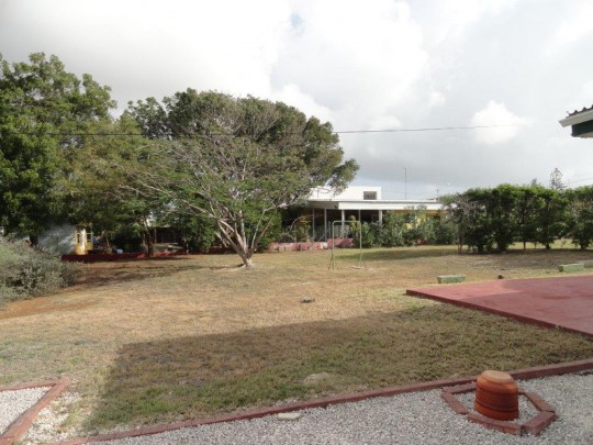 Jan Thiel, Curacao - Lot with detached house and apartment for sale