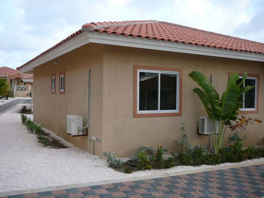 Piscadera - Bungalow villa on central location on resort with pool