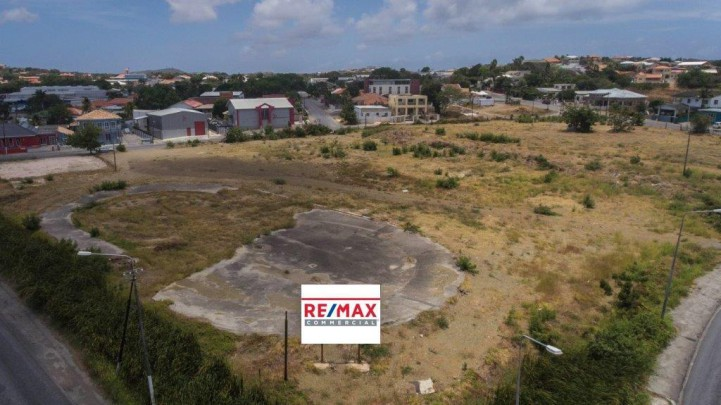 Salinja - Five centrally located lots at the Nieuwe Caracasbaaiweg