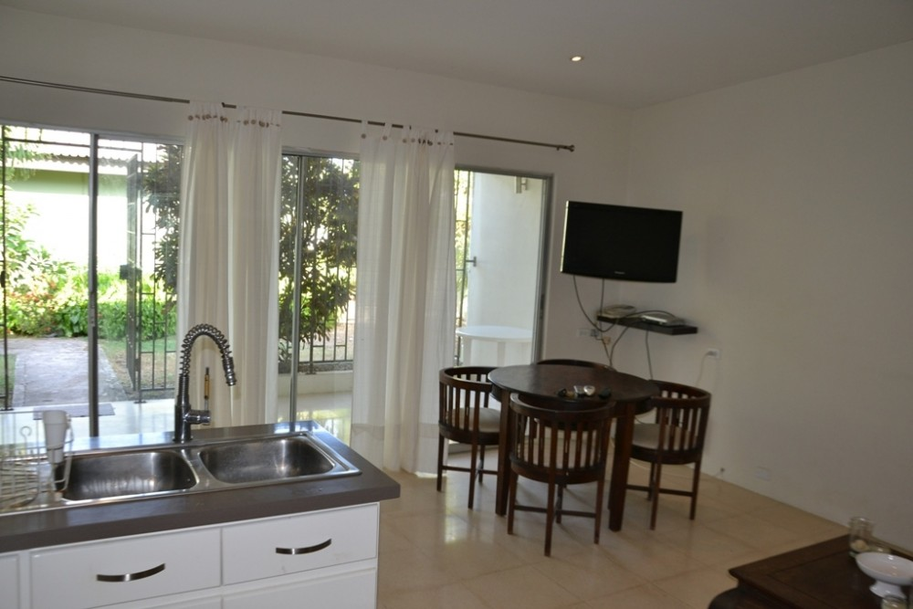 Mahaai Recently Renovated And Fully Furnished 1 Bedroom Apartment