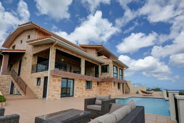 Blue Bay - Luxurious 5-bedroom villa in Golf & Beach Resort