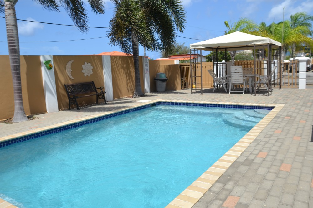 Fresh, nice 2 bedroom apartment with pool for rent in ...