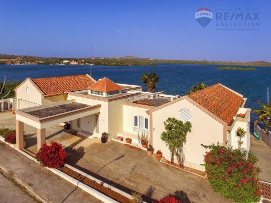 Jan Sofat - Charming, spacious 5-bedroom villa for sale with seaview