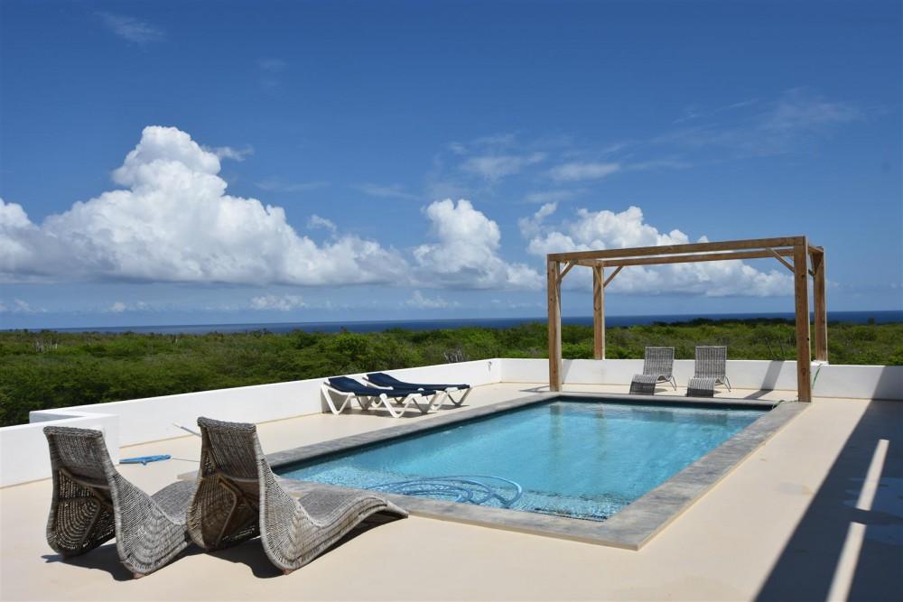 Zwembad Op Dakterras : Villa te koop in grote berg curaçao met zwembad en prachtig uitzicht