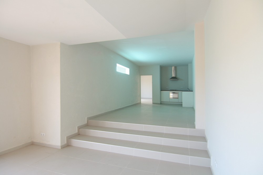 Luxe villa te koop in curacao met zwembad en zeezicht remax bonbini - Modern huis aan zee ...