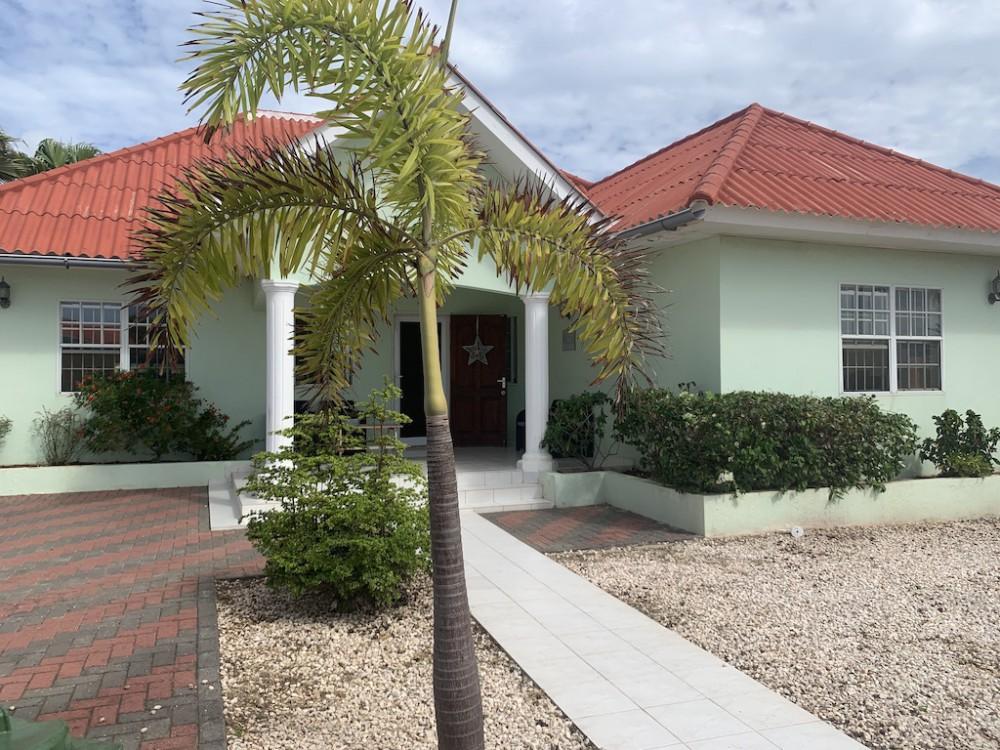 RE/MAX real estate, Curacao, Koraal Partier, Koraal Partier - 4-bedrooms house for sale