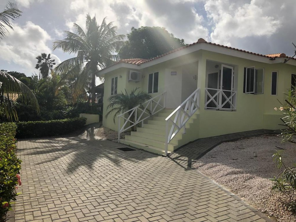 RE/MAX real estate, Curacao, Curacao, Marbella Estate - Furnished 3-bedroom home in gated resort with pool