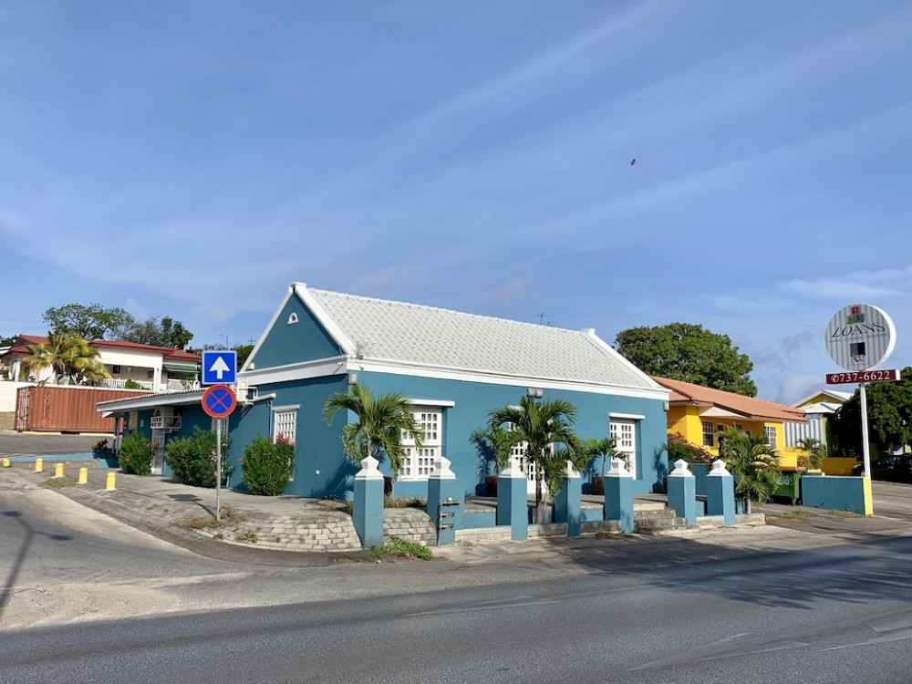 RE/MAX real estate, Curacao, Salinja, Schottegatweg Oost - Centrally located space including plot for sale