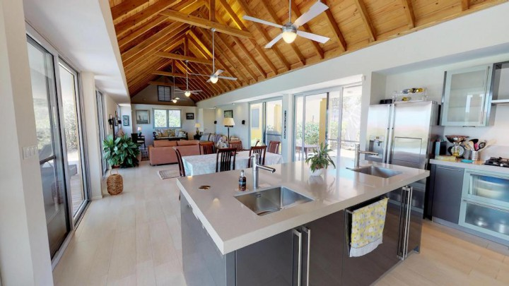 Seru Boca Estate - Contemporary villa for sale on exclusive resort