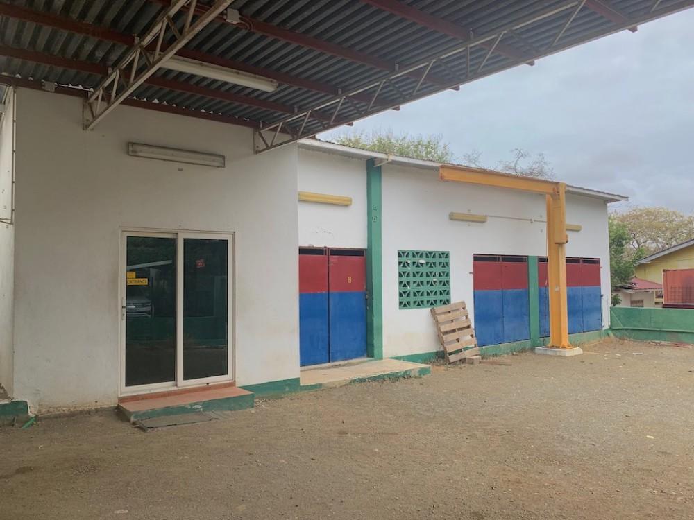 RE/MAX real estate, Curacao, Seru Lora, Seru Loraweg - Commercial Building for rent