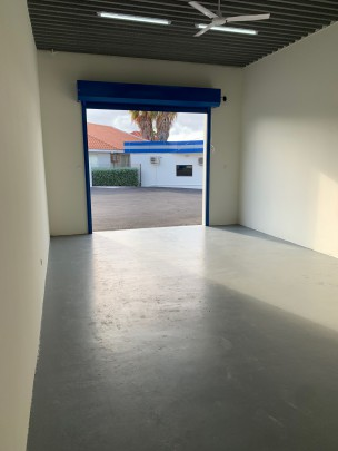 Santa Rosaweg - Centrally located multifunctional storage unit, 50m2