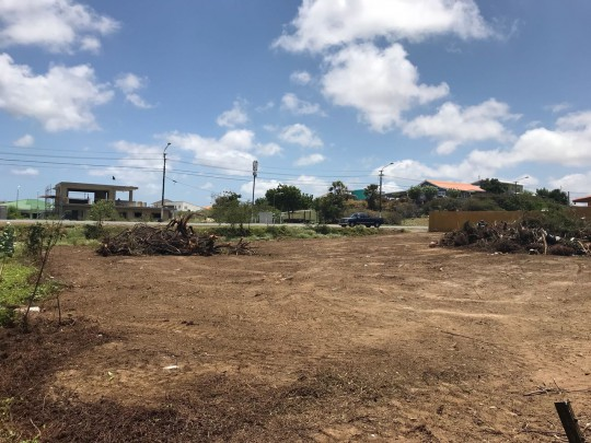 Development land for sale on main road - ideal for apartment complex