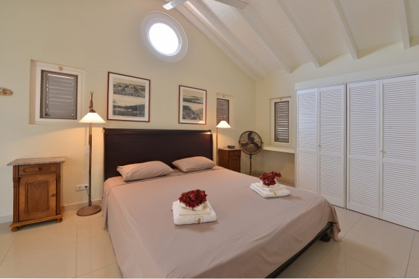 Good return on investment -Waterfront vacation rental property Curacao