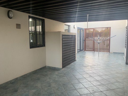 Saliña - 3-bedroom home centrally located