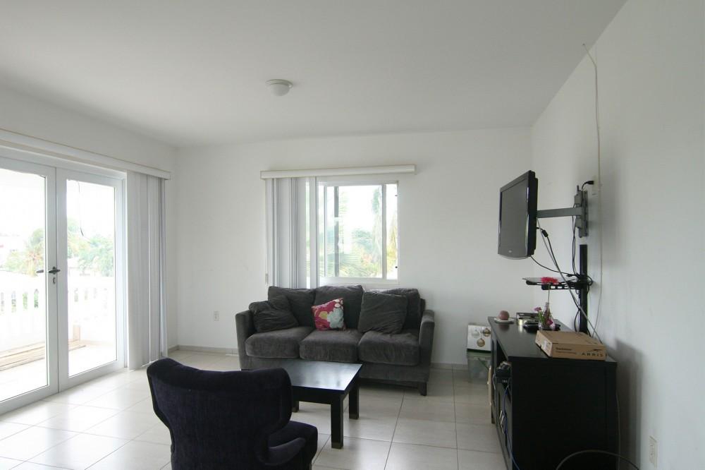 Curasol leuk gemeubileerd appartement te huur - Gemeubileerde woonkamer ...