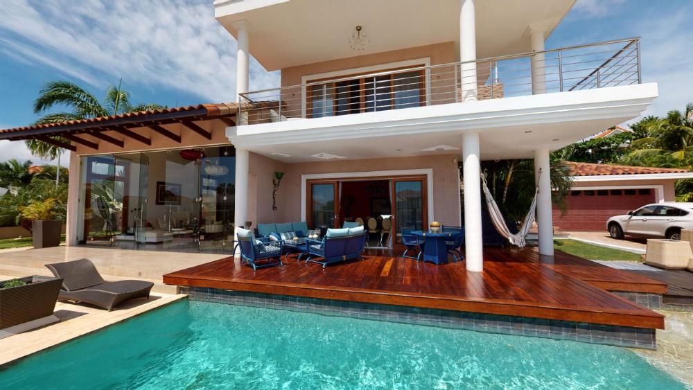 RE/MAX real estate, Curacao, Zuurzak, Villapark Zuurzak - Stunning 8-bedroom villa for sale